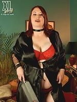 She's A Very Kinky Girl