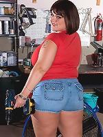 Lisa Canon - Tool Time Girl