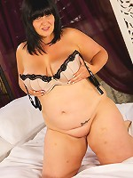 Watch this brand new fatty get herself some delicious cock!
