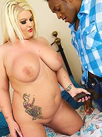 Watch the sexy new BBW  Sindy Strut in her new scene!