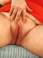 A BBW babe by the name of Sapphire joins us today for some interracial BBW action.