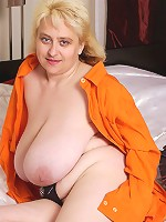 Blonde chubby shows unbelievable big tits