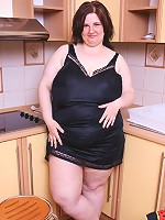 Fresh plumper with huge long jugs spreads her pink
