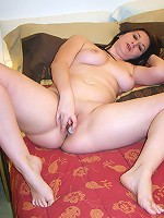 Tattooed full kitty dildoes her precious wet slit
