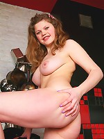 Plump babyface teeny playing with her wet panties