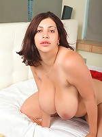 Freshie with large jugs stretches her sweet snatch