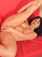 Young naked chubby hottie sucks a rubber toy