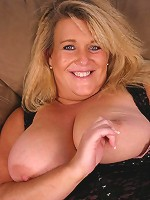 Smoking hot bbw Jenna showing off her massive set of knockers and enjoys pussy plowing