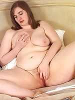 Horny Big Babe Posing and Exposing Shaved Pussy