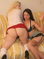 Smoking hot plumpers spreading their fatty thighs to cram their slits with a dildo live