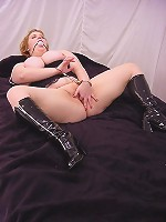 Plump blonde playing with her titties and spreading her huge fat thighs to show off her cunt live