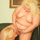 Hefty blonde Melinda Shy and Faye indulge their oral fixations and sharing a dildo live