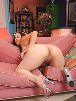 Chubby sluts rolls her booty all over a thick cock!