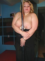 European big sized babe rides the pole!