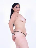 Big Latina ass shakes her shit!