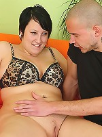 The beautiful fatty he picked up in town wears a leopard print bra and he bones her pussy
