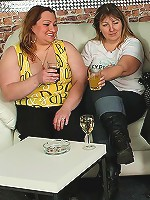 Fat drunk chicks give incredible head