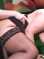 Glamorous fattie in expensive outfit spreads her hairless pussy on a table