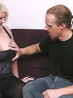 Thick British cutie with awesome curves and tats hooks up with a stranger