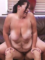 Cute young fattie got so turned on being photographed that she rode the guy