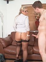 Gorgeous blonde fattie got her shaved muff boned hard by her horny happy customer