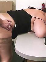 Chunky girl spreads legs for bonus