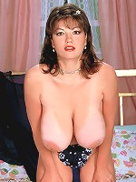 MILF is tired of small bows and contact a well endowed cocksman.