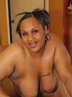 Curvy Ebony plumper