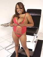 The gorgeous Simone Staxxx is an ebony BBW with enormous plump and meaty tits and awesomely juicy thick thighs