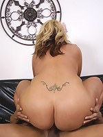 Kelli Staxxx busty ass was itching to be fucked, so she went out on her daily 'prowls' to find a suitable man to fill the void. At the local car wash she ran into someone who certainly seemed to know how to use the washing hose, but she felt