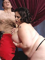 Glory Foxxx has got some decadently proportioned curves. You may not be able to handle seeing tits and ass that big. This slut is sexy, too. She's so confident in her looks it just makes her all the more attractive.